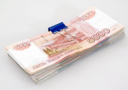 El fajo de billetes en rublos Foto de archivo