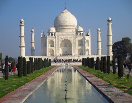 spellbinding: Taj Mahal in Agra India