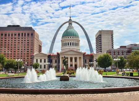 St Louis, Missouri - August 15, 2010 : downtown in front of the old capitol and arch Stock Photo - 7603111