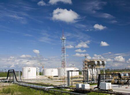 industria petroquimica: Planta de la refiner�a de petr�leo. Industria petroqu�mica  Foto de archivo