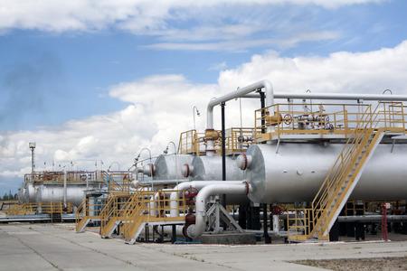 석유 산업. 석유 및 가스 정제 공장. 석유 추출의 산업 현장