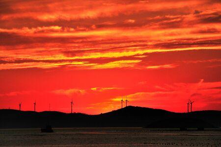 fischerei: Fischerei Island, am Abend Himmel rot