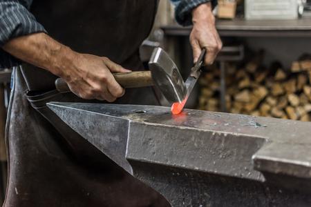 blacksmith in kunstschmiede