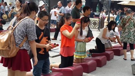 pushes: Divination: October 4, 2014 shooting in Hong Kong Wong Tai Sin Temple.