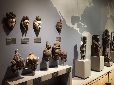 African wood carving art