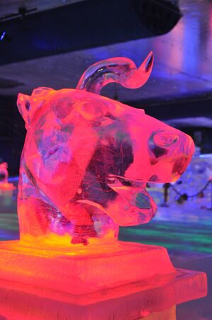 ice sculpture: Zhejiang Dongyang town of Hengdian: the new ice sculpture Editorial