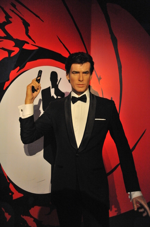 pierce: Pierce Brosnan - Shanghai Madame Tussauds celebrity Wax Museum