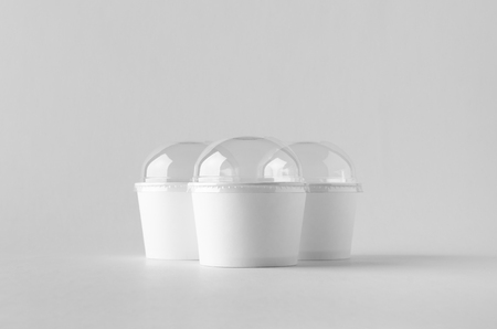 White ice cream paper cup mock-up with plastic lid. Banco de Imagens - 115963506