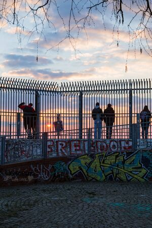 flak: People during a sunset at Humboldthain Park, Berlin