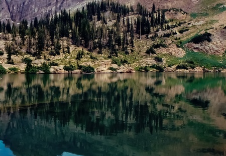 Alpine Lake 版權商用圖片
