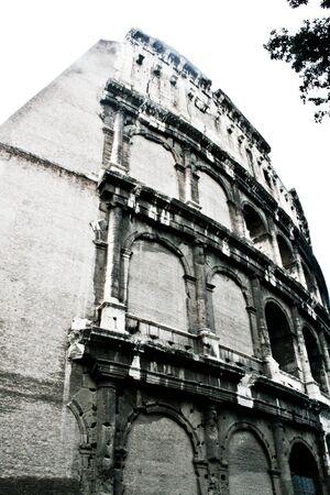 historical buildings: Historical buildings and statue