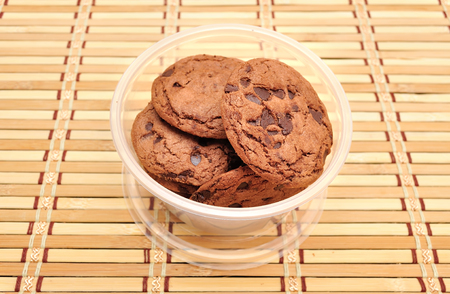 cikolatali: Chocolate Chip Cookie on bamboo mat Stock Photo