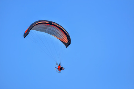 cope: Paragliding in the sky