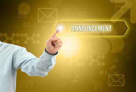 Geschäftsmann berühren einen Knopf auf einem imaginären Bildschirm mit Text Standard-Bild - 75742163