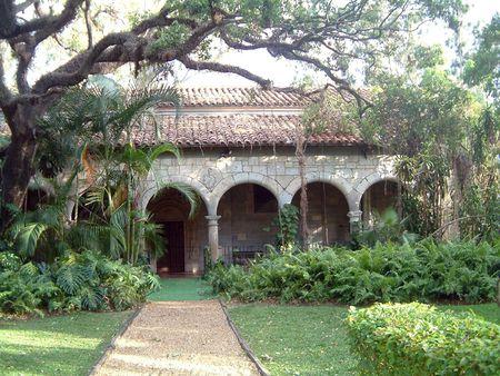 マイアミの古い教会ヤード