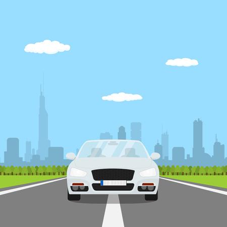 carro caricatura: imagen del coche en la carretera con el bosque y gran silueta de la ciudad en el bakground, ilustración estilo plano Vectores