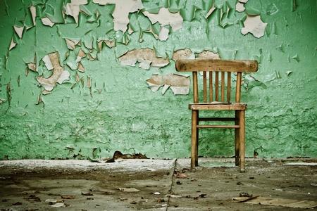 Wooden Chair in Verlassene Geb�ude Lizenzfreie Bilder