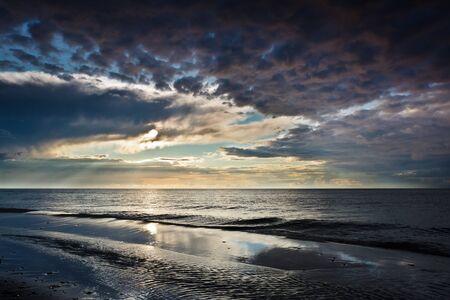 Reflexion �ber den Sand �ber dynamische Himmel