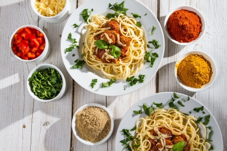 Richly filled dinner of spaghetti Stock Photo - 14119507