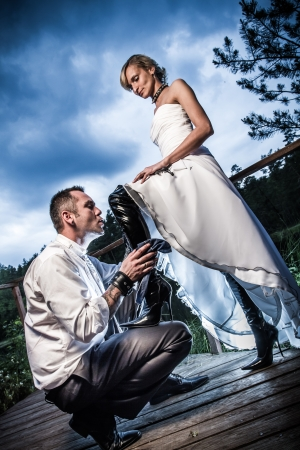 net getrouwd: Concept van een dominante vrouw net getrouwd Stockfoto
