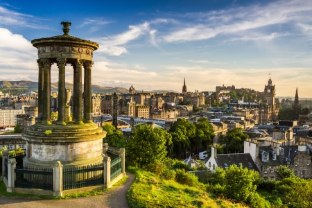 edinburgh: Beautiful view of the city of Edinburgh