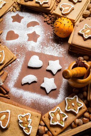 Christmas decorating gingerbread cookies Stock Photo - 16397548