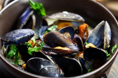 viandes et substituts: Les moules cuites � l'ail et au persil