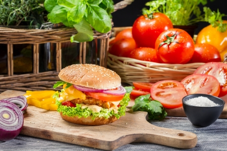 chicken burger: Homemade hamburger with chicken and vegetables