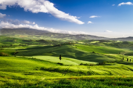 san quirico d'orcia: Beautiful view of the sunset over the valley in Tuscany