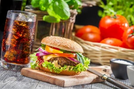 Homemade smakelijke hamburger Stockfoto