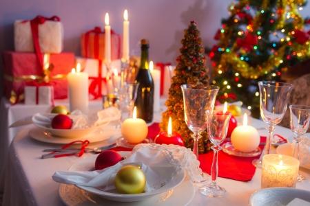 navidad elegante: Plato principal como regalo de Navidad Foto de archivo
