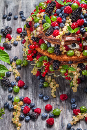 Torta fatta di frutti di bosco