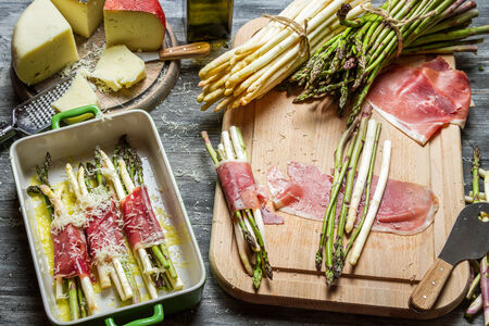 parma ham: Asparagus wrapped in Parma ham with cheese