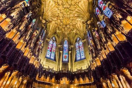 エディンバラの大聖堂の美しいアーチ 報道画像