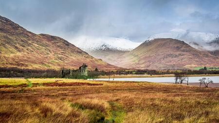 highland region: Kilchurn Castle in Winter, Scotland