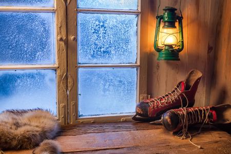 Ciepłe schronienie zimą mroźny dzień