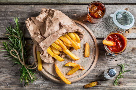 potato chip: Homemade fries served with cold drink Stock Photo