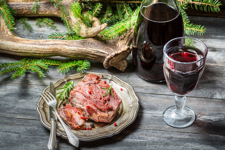 carne roja: La carne roja sabe mejor con vino
