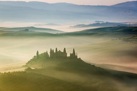 san quirico dorcia: Beautiful sunrise in San Quirico dOrcia, Tuscany, Italy