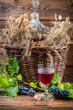 demijohn: Taste of red wine straight from the demijohn