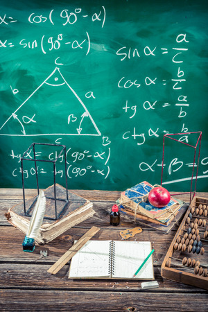 matematica: Clases de trigonometr�a en la escuela Foto de archivo