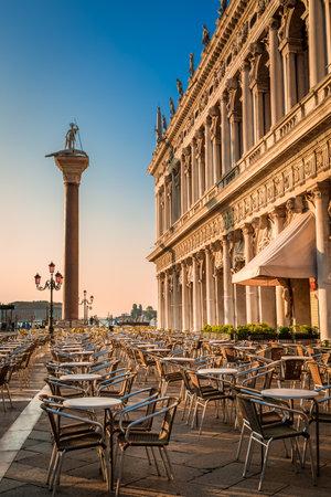 st  mark's square: Restaurant at sunrise on St. Marks Square in Venice