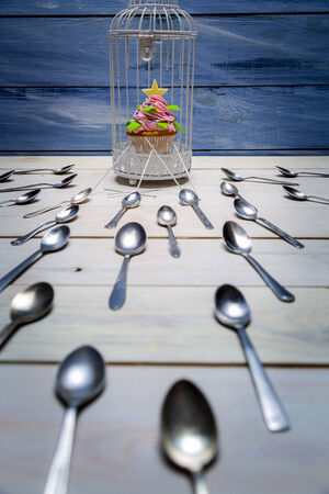 blockade: Most wanted muffin and a flock of spoons