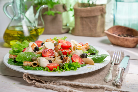 emaciated: Salad with noodles and vegetables