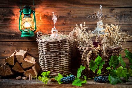 demijohn: Ingredients for homemade red wine