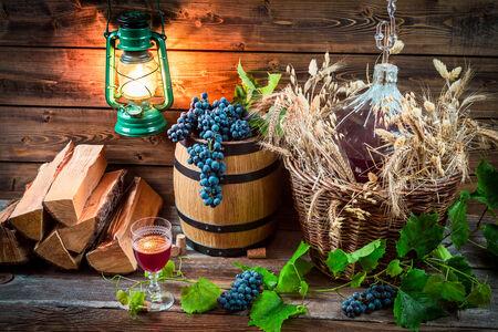 demijohn: Tasting red wine straight from the demijohn