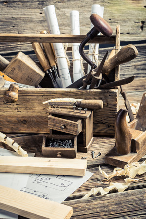 carpenter's sawdust: Drafting Tools and diagrams in the carpentry workshop