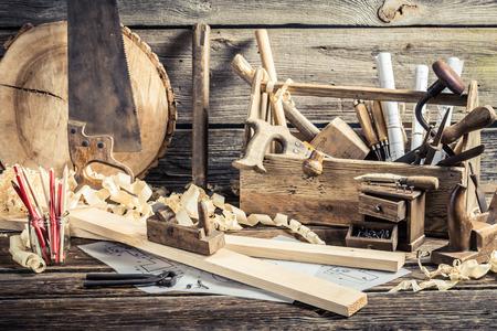 アンティーク木工ツールのワーク ショップ 写真素材