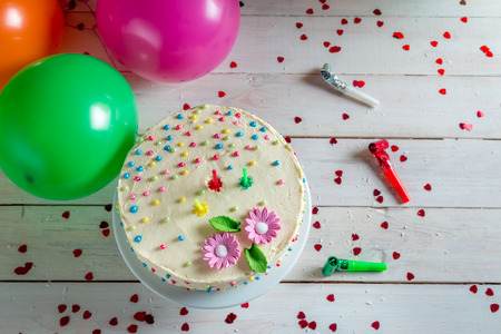 gateau anniversaire: Gâteau d'anniversaire Banque d'images