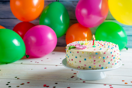 decors: birthday cake